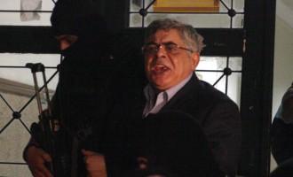 Ο Νίκος Μιχαλολιάκος γράφει βιβλίο στη φυλακή