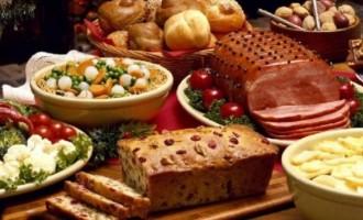 Οι συμβουλές του ΕΦΕΤ για το χριστουγεννιάτικο τραπέζι – τι πρέπει να προσέχετε στις αγορές σας!
