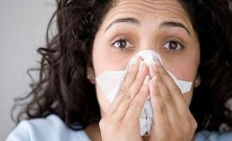 Προσοχή: Μην παίρνετε αντιβιοτικά για τις ιώσεις – Δεν κάνουν τίποτα!