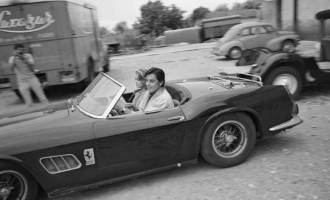 Πουλήθηκε η Φεράρι  που οδηγούσε το 1960 ο Αλέν  Ντελόν