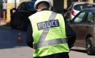Ποιοι κινδυνεύουν να χάσουν το δίπλωμα οδήγησης και τι ισχύει με τα κινητά και τα hands free
