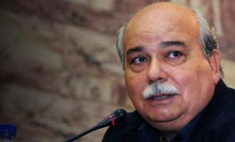 Συνάντηση Βούτση με τους Έλληνες κρατούμενους στρατιωτικούς – «Η Τουρκία εκτίθεται»