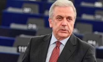 Πρόταση Αβραμόπουλου για ευρωπαϊκό στρατό 10.000 ατόμων για τα σύνορα της Ε.Ε.