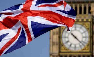 Επώδυνο για τη Βρετανία πιθανό Brexit χωρίς συμφωνία για το εμπόριο