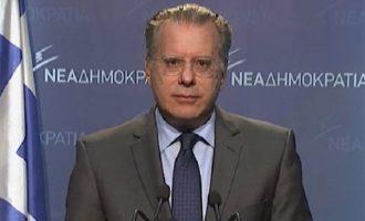 Ο Κουμουτσάκος έβγαλε ανακοίνωση για τη Ρωσία δίχως να αποσαφηνίζει εάν η ΝΔ είναι δυτική πολιτική δύναμη