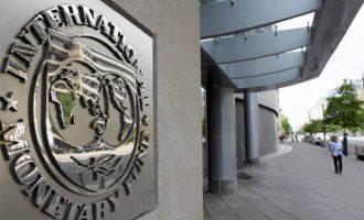 Τον… χαβά του το ΔΝΤ: Βλέπει «κουρεμένη» ανάπτυξη 2% και μείωση της ανεργίας