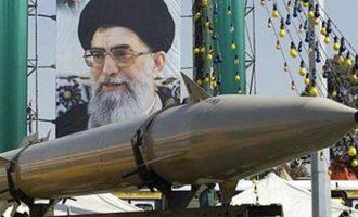 Προς έξοδο από τη συμφωνία για τα πυρηνικά του Ιράν προσανατολίζονται οι ΗΠΑ