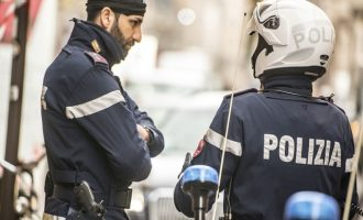 Σοκ στην Ιταλία: Μάνα έπνιξε με μαξιλάρι τη 2χρονη κόρη της και έσφαξε τον 5χρονο γιο της
