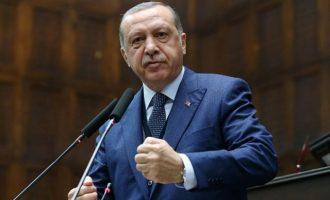 Ο Ερντογάν απείλησε τη Γαλλία ότι μπορεί να καταστεί «στόχος» της Τουρκίας