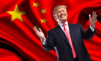 Επιβολή επιπρόσθετων δασμών 100 δισ. δολαρίων εις βάρος της Κίνας ζήτησε ο Ντόναλντ Τραμπ