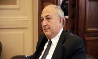 Αμανατίδης: Δεν επιβεβαιώνεται υποστολή της ελληνικής σημαίας