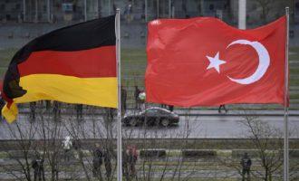 Η Τουρκία κάλεσε τον Γερμανό πρεσβευτή στην Άγκυρα για να διαμαρτυρηθεί για τους Κούρδους