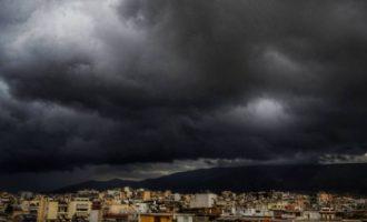 Καιρός: Βροχές, σποραδικές καταιγίδες και Αφρικανική σκόνη τη Δευτέρα