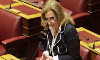 Παραίτηση Λεβέντη και εκλογή νέου αρχηγού θέλει  η ανεξάρτητη βουλευτής Μεγαλοοικονόμου