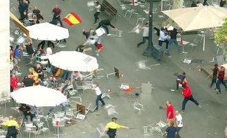 Διαδηλωτές πλακώθηκαν στο ξύλο σε κεντρικό δρόμο της Βαρκελώνης (βίντεο)
