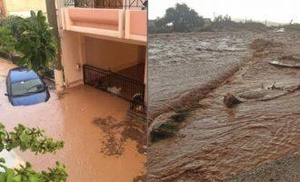 Βιβλική καταστροφή στη Μάνδρα Αττικής – Κόπηκαν δρόμοι, πλημμύρισαν σπίτια