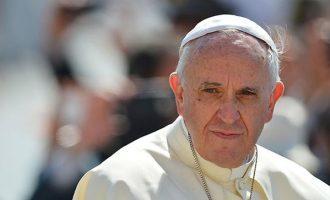 Ο πάπας Φραγκίσκος ευχαρίστησε Ελλάδα, Ιταλία και Γερμανία για τους πρόσφυγες