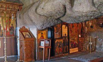 """Πάτμος: Αποκαταστάθηκε το σπήλαιο όπου γράφτηκε η """"Αποκάλυψη"""""""