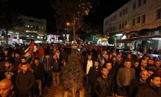 """Στους δρόμους χιλιάδες Παλαιστίνιοι  – """"Θα πεθάνουμε ως μάρτυρες για την Ιερουσαλήμ"""""""
