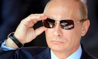 Ο Πούτιν πήγε στην Κριμαία τέσσερις ημέρες πριν τις ρωσικές  εκλογές