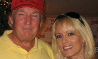 The Wall Street Journal: Ο Τραμπ πλήρωσε πασίγνωστη πορνοστάρ με 130.000 δολ. (βίντεο)