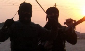 Σε θάνατο καταδικάστηκαν επτά οπλαρχηγοί του Ισλαμικού Κράτους από ιρακινό δικαστήριο