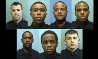 "Aστυνομικοί ""μπουμπούκια"" έκλεβαν όπλα, χρήματα και πουλούσαν κατασχεμένα ναρκωτικά"