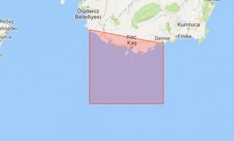 Οι προκλητικοί Τούρκοι δεσμεύουν με Navtex το Καστελόριζο