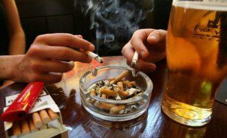 Αυστρία: Η κυβέρνηση έβαλε τέλος στην απαγόρευση καπνίσματος στους χώρους εστίασης