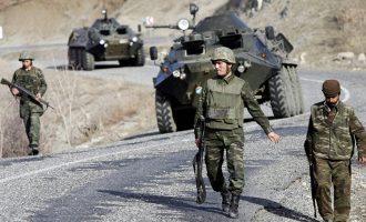 Spiegel: Η Ε.Ε. βοηθά την Τουρκία να κλείσει τα σύνορα της – Τούρκοι πυροβολούν πρόσφυγες