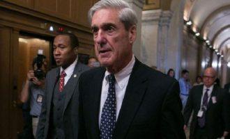 """Ο Λευκός Οίκος διαψεύδει τα περί """"καρατόμησης"""" του ειδικού εισαγγελέα Ρόμπερτ Μιούλερ"""