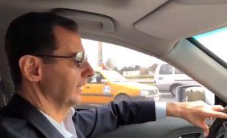 Ο Μπασάρ Αλ Άσαντ οδηγεί ως «κοινός θνητός» από τη Δαμασκό μέχρι το μέτωπο της Αν. Γούτα (βίντεο)