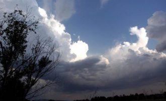 Καιρός: Τοπικές βροχές αλλά και καλές θερμοκρασίες την Τετάρτη
