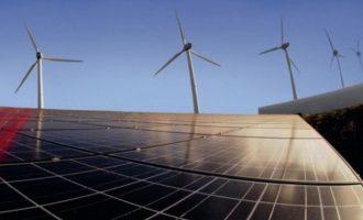 """""""Έπεσαν"""" οι υπογραφές για επενδύσεις 2,5 δισ. ευρώ σε ανανεώσιμες πηγές ενέργειας"""