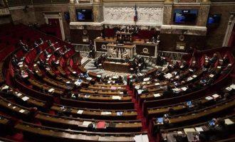 Η Γαλλία ετοιμάζεται να μειώσει τους βουλευτές και γερουσιαστές κατά 30%