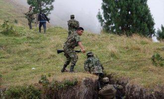 Εννέα πρώην μέλη των FARC νεκροί σε επιχείρηση του στρατού στην Κολομβία