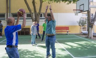 30 πεζοναύτες του «Ίβο Τζίμα» επισκέφθηκαν ίδρυμα παιδιών με νοητική αναπηρία στη Λεμεσό