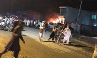 Εφτά νεκροί και 20 τραυματίες από επίθεση βομβιστή αυτοκτονίας στο Πακιστάν