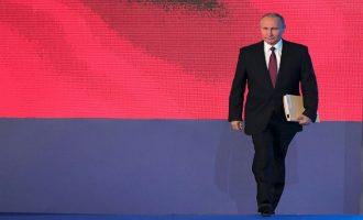 Άνοιξαν οι κάλπες στη Ρωσία: Ατράνταχτο φαβορί για Πρόεδρος ο Βλαντιμίρ Πούτιν