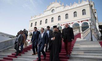 Τσίπρας από Τήνο: Δημιουργούμε στέρεα θεμέλια για την Ελλάδα της νέας εποχής