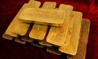 Η Ρωσία αυξάνει τα αποθέματά της σε χρυσό με τον ταχύτερο ρυθμό 12 ετών