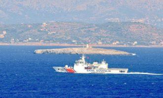 Νέα πρόκληση: Προσπάθησαν να εμβολίσουν σκάφος του Λιμεναρχείου Χίου