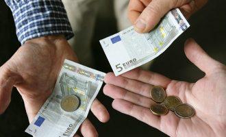 EUROSTAT: 14,5 ευρώ την ώρα «κοστίζουν» οι Έλληνες εργαζόμενοι – Τι συμβαίνει στα άλλα κράτη