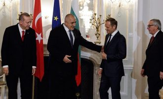 Spiegel: Ποιες χώρες τορπιλίζουν τη συμφωνία Ε.Ε.-Τουρκίας για το προσφυγικό