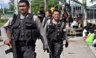 Συνέλαβαν 4 ομοφυλόφιλους σε επαρχία της Ινδονησίας – Με τι τους απειλούν