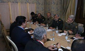 Στρατιωτική προσέγγιση Ιράν με Πακιστάν – Το Ισλαμαμπάντ έτοιμο να αποστατήσει από τις ΗΠΑ;