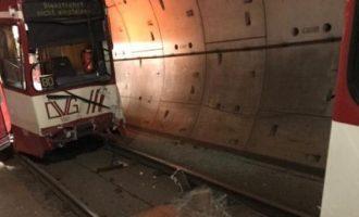 Σύγκρουση συρμών του Μετρό στη Γερμανία – 20 τραυματίες