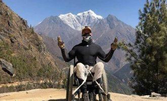 Ποιος είναι ο πρώτος παραπληγικός που ανέβηκε ως τα 5.364 μέτρα του Έβερεστ