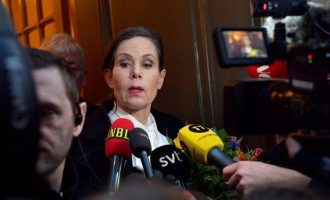Αποκάλυψη για σεξουαλικό σκάνδαλο στη Σουηδία απειλεί το Νόμπελ Λογοτεχνίας