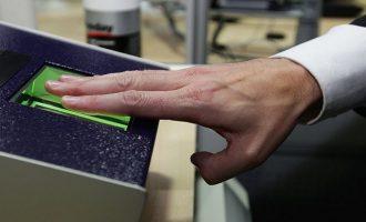 Ταυτότητες με ψηφιακό δακτυλικό αποτύπωμα σχεδιάζει η Κομισιόν